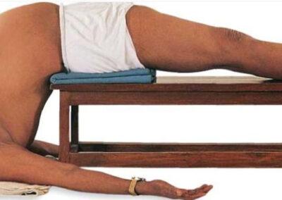 Postura con soporte para apertura de pecho y hombros