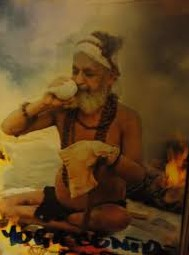 Persona haciendo una limpieza interna, shatkarmas