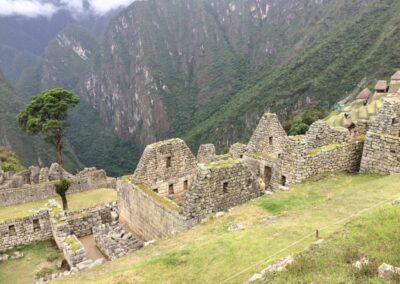 Perú construcciones en la montaña